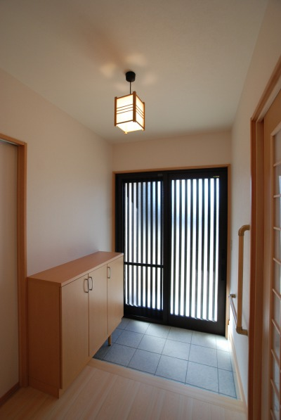 吉備中央町の平屋の家・玄関ホール