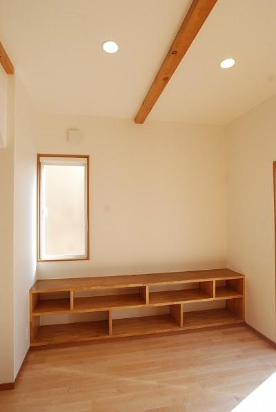 造作家具の施工例:TV台、棚
