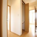 2階廊下 廊下内の収納