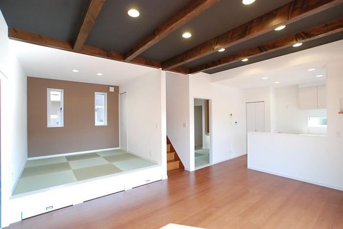 岡山市・小上がり畳コーナーのあるリビングルーム