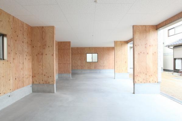 寄島町 車3台分のガレージのある耐震の家